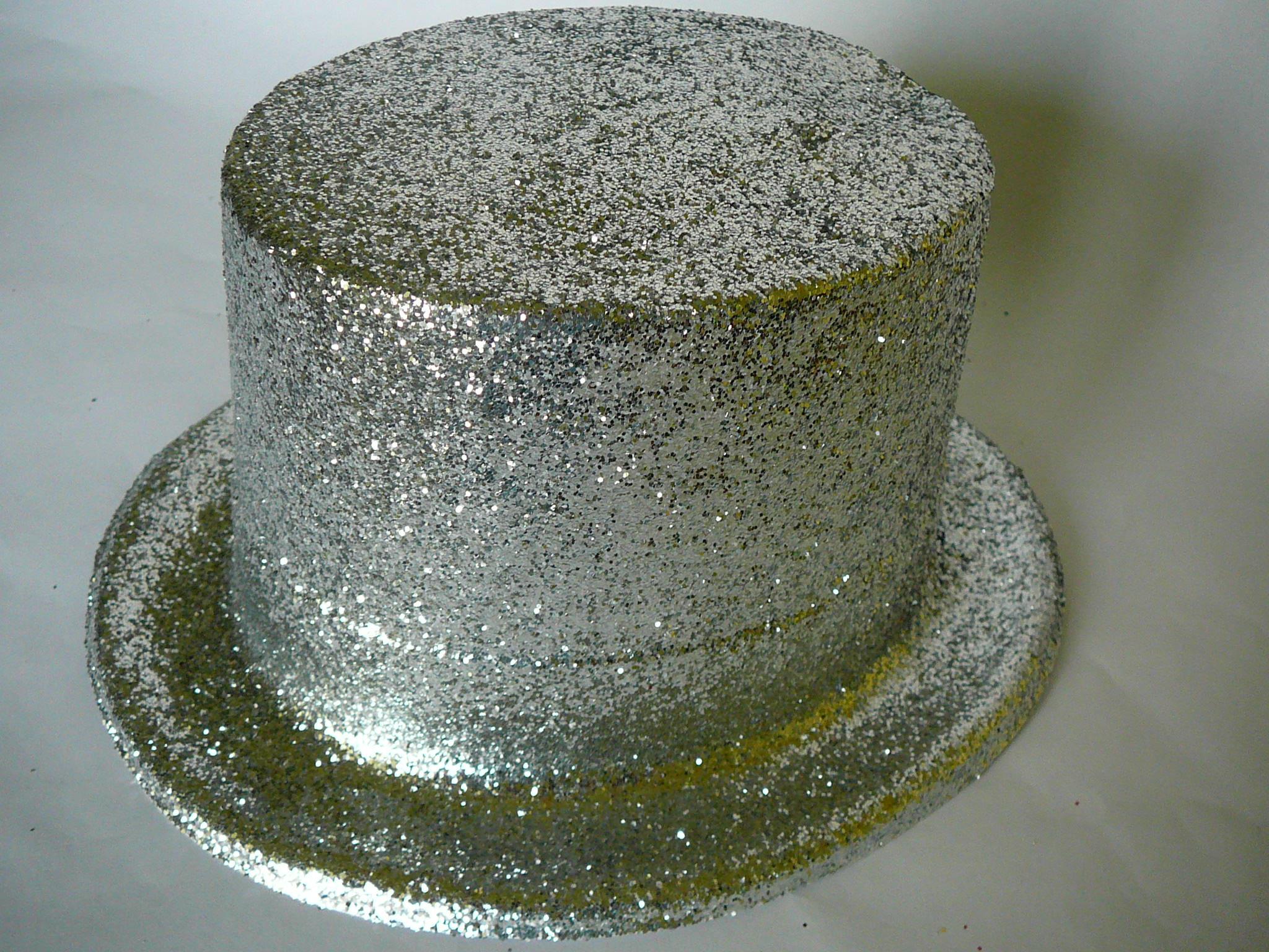 Cylindr s glitry stříbrný de259f4871